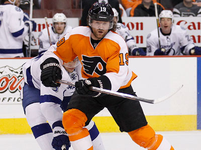 Scott Hartnell and the Flyers take on the Sabres Thursday night.  (Yong Kim / Staff Photographer)