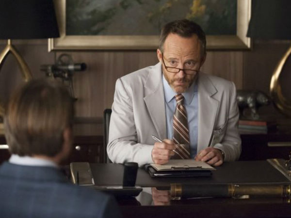 "John Benjamin Hickey (facing Mads Mikkelsen, seen from back) guest stars on Thursday´s ""Hannibal"""