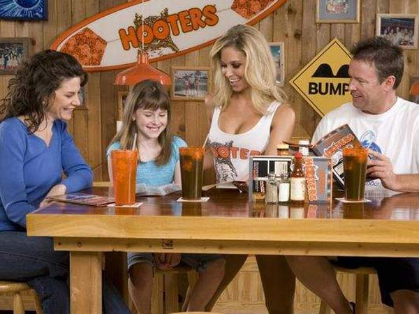 Hooters is offering a free entree to any mother who buys a drink and brings one or more of her children along on Mother´s Day. (Photo courtesy of Hooters)