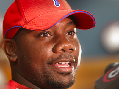 Ryan Howard talks with media before the first full team workout for the Phillies during Spring Training at Bright House Network Field in Clearwater, Fla. (David M Warren / Inquirer)
