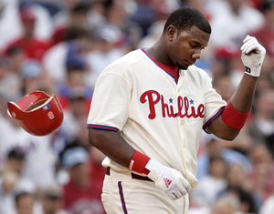 Ryan Howard is struggling, and he's starting to hear it from fans.