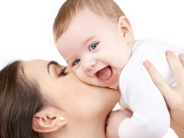 Some parents want to experience the joy of their new child privately. (iStock photo)