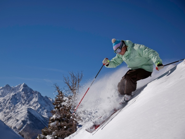 Here is what you need to know when skiing in higher altitudes. (istockphoto.com)