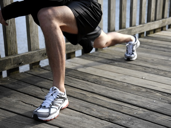 Here are three movements you can use to make up a dynamic warm-up. (istockphoto.com)