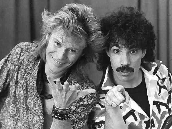 Daryl Hall (left) and John Oates in New Haven, CT,  in March 1985. (Glenn Osmundson/Inquirer File Photo)