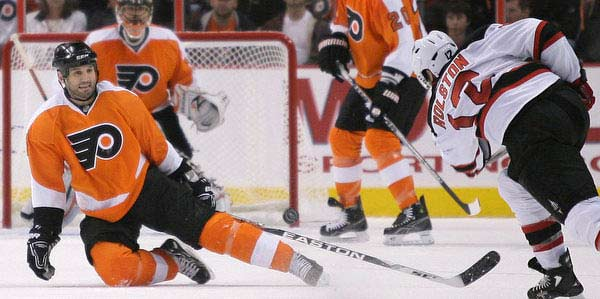 &lt;h4&gt;Flyers winger Ian Laperriere vs. Blackhawks scorers Patrick Sharp and Patrick Kane&lt;/h4&gt;<br />&lt;br&gt;<br />Laperriere fearlessly tries to block shots with his body at every opportunity. Sharp and Kane will need to avoid wasting their chances when he is nearby. Sharp, <br />a former Flyer, may have Chicago&acute;s hardest shot; Kane&acute;s trademark shot is a wrister from the left circle.