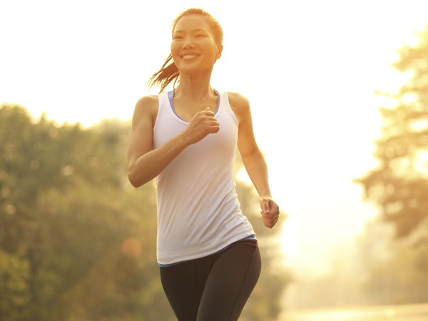 Female runners are particularly prone to pelvic stress fractures. (istockphoto.com)