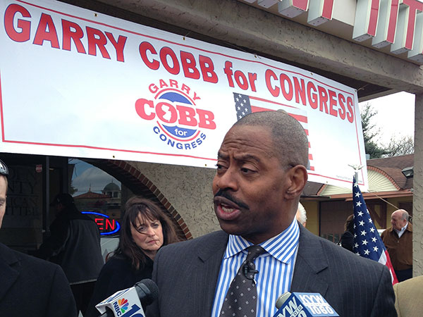Former Eagles linebacker Garry Cobb announced his bid for Congress at the Camden County GOP office in Cherry Hill Monday, March 31, 2014. Cobb is running as a Republican to fill the First District seat vacated by Rep. Rob Andrews (D., N.J.) in February.