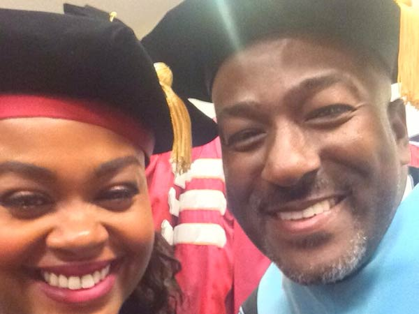 Jill Scott backstage at Temple University´s graduation ceremony with Dr. Kevin R. Johnson. (Photo via Twitter, @drkrj)