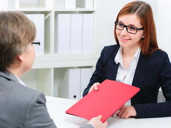 Here are five essential questions you should ask in a job interview.