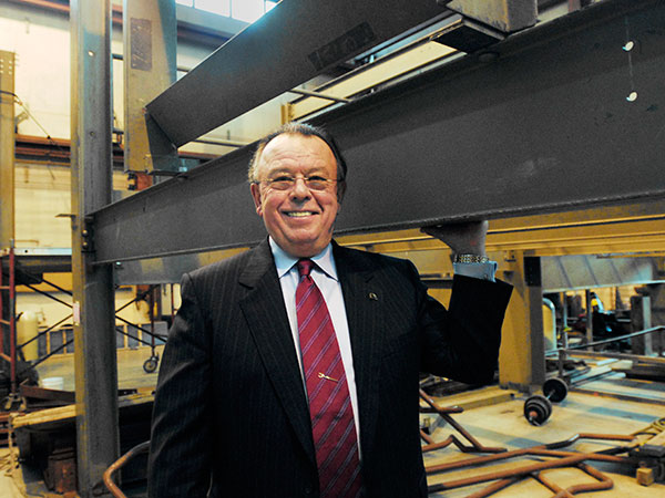 Joe Dougherty stands in the Ironworkers 401 training facility on Feb. 5, 2008. (Jonathan Wilson/Inquirer)