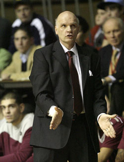 Saint Joseph´s Head Coach Phil Martelli watches his team take on La Salle during Big 5 action on Thursday, January 27, 2011.  (Yong Kim / Staff Photographer)  Daily News/Inquirer