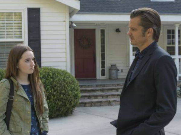 "Kaitlyn Dever (left) and Timothy Olyphant in a scene from Tuesday´s episode of FX´s ""Justified"""