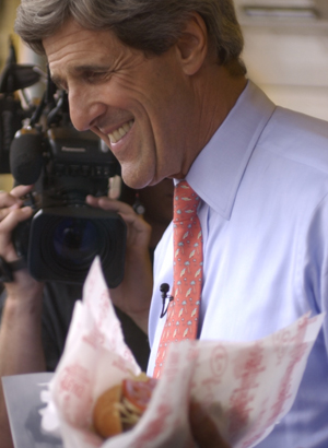 Presidential hopeful John Kerry asked for a Swiss-cheesesteak hoagie at Pat´s Steaks in South Philadelphia. Swiss? Not at Pat´s.