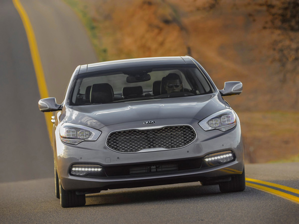 The 2015 Kia K900 is South Korea´s version of the Westminster Kennel Club dog show. It's a display of automotive breeding that takes the most expensive luxury sedan from its Hyundai sister company,the Equus, and tweaks it for an even more value-oriented buyer. (Kia/MCT)