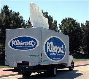 Truck used in Greenpeace paper products campaign.<br />(© Greenpeace / Meenu Bhardwaj)