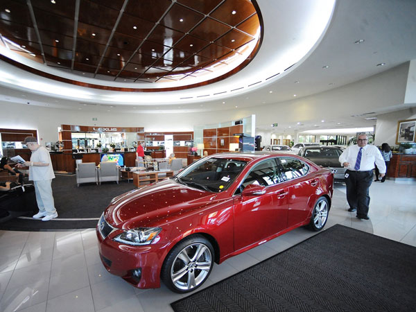 JM Lexus in Coconut Creek, Fla., is the top selling dealership in the country year after year. (Robert Duyos/Sun Sentinel/MCT)