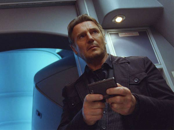 Liam Neeson is a U.S. marshal who comes under suspicion on a hijacked transatlantic flight in the far-fetched ´Non-Stop.´