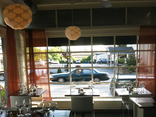 Interior of L´Oceano, 833 Haddon Ave., Collingswood.