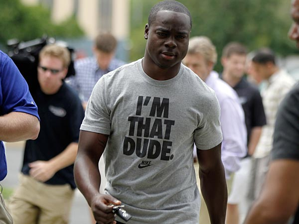 Philadelphia Eagles&acute; Jeremy Maclin arrives at NFL football training<br />camp in Philadelphia, Thursday, July 25, 2013. (AP Photo/Matt Rourke)