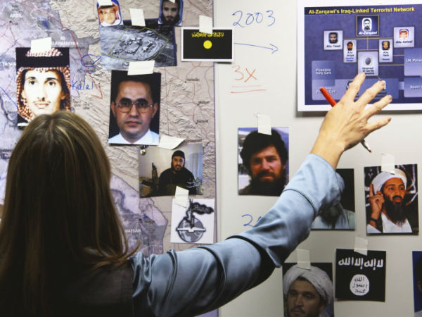 """Manhunt"" recounts the complicated hunt for Osama bin Laden"