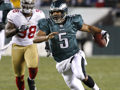 Donovan McNabb scrambles for a first down during Sunday´s game against the 49ers. ( Ron Cortes / Staff Photographer )