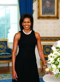 From the beginning of the Barack Obama presidency,we´ve always been intrigued with Michelle Obama´s fashion choices. Her her choices are helping out her hubby with campaign trail donations.