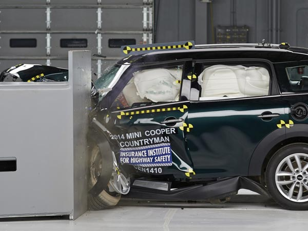The Mini Cooper Countryman was the only vehicle in a group of 12 small cars to win the top rating from the Insurance Institute for Highway Safety in a crash test that measures what happens when which 25 percent of a car´s front end on the driver´s side strikes a 5-foot-tall rigid barrier at 40 mph. (Insurance Institute for Highway Safety/MCT)