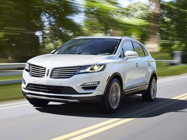 The 2015 Lincoln MKC has comfort and convenience features that include good voice recognition, blind spot and cross traffic alerts, adaptive cruise control, a big sunroof, THX audio, automated parking and more. (Ford/MCT)