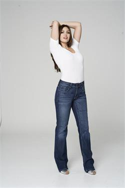 Jessica Svoboda Jeans fit the curvy girl like a glove!