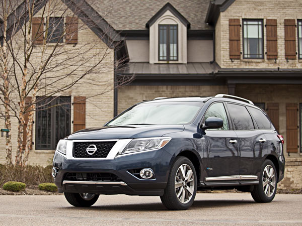 The 2014 Nissan Pathfinder Hybrid gets up to 26 mpg in combined city/highway driving. (Nissan/MCT)