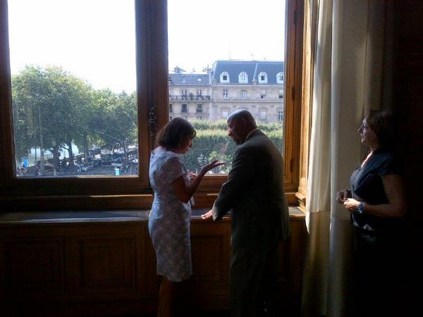 """Mayor Nutter posted this photo on Twitter. """"Great conversation with Mayor @Anne_Hidalgo, discussing climate change, bike share, student exchanges and jobs,"""" he wrote."""