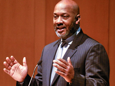 State Rep. Dwight Evans speaks during the formal launch of the Philadelphia Schools partnership, at the National Constitution Center. (Ron Tarver / Staff Photographer)