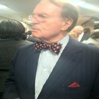 CBS anchor Charles Osgood wearing Temple bowtie. Trendy, or what?