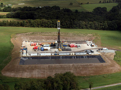 A Marcellus Shale oil drilling site near Latrobe, Pa on Thursday afternoon, September 9, 2010.  ( Laurence Kesterson / Staff Photographer )