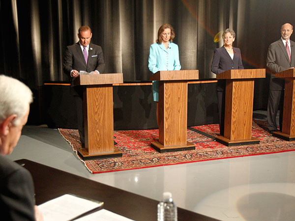 Action News anchor, WPVI-TV, Jim Gardner and gubernatorial candidates, (from left) Rob McCord, Katie McGinty, Allyson Schwartz and Tom Wolf prepare for the debate. ( AKIRA SUWA  /  Staff Photographer )