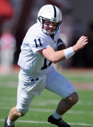 Penn State quarterback Matthew McGloin (11) runs against Indiana. (AP Photo/The Herald-Times,<br />Chris Howell)