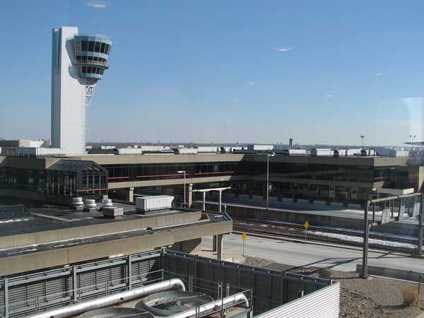 The city and airlines that fly out of Philadelphia International Airport have come to terms on a two-year extension of airlines´ leases at the airport, and projects that will be taken in the next couple years, which does not include a new runway.