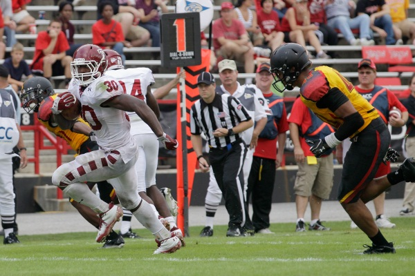 Bernard Pierce rushes for one of his five touchdowns against Maryland during Temple´s 38-7 win in College Park, Md., on Saturday, Sept. 25, 2011. (Photo by Rob Carr/Getty Images)