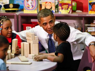 President Obama visits with Head Start students. EDITORS NOTE: November 8, 2011. ( MICHAEL S. WIRTZ / Staff Photographer )