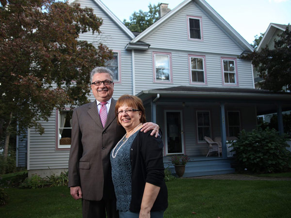 Sammy and Demi Thomas, right, pictured September 29, 2013, refinanced their Ridgewood, New Jersey home from a 30 year to 15 year loan to save money. (Kevin R. Wexler/The Record/MCT)