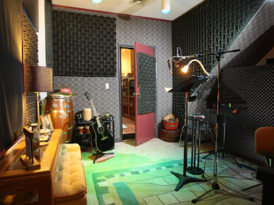 Larry Freedman´s home/recording studio in Northern Liberties. (Michael Bryant / Staff Photographer)