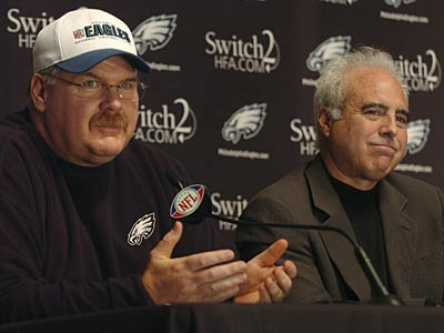 Andy Reid at a press conference, in which Jeff Lurie (right) announced his contract extension today.  (Sarah J. Glover / Staff Photographer)