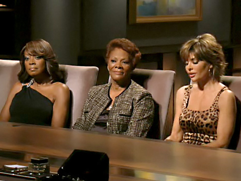 Dionne Warwick serving as a buffer between antagonists Star Jones and Lisa Rinna.