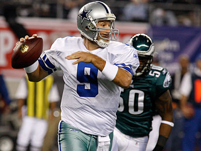 The Eagles did not blitz effectively at any point this season against the Cowboys. (AP Photo/Sharon Ellman)