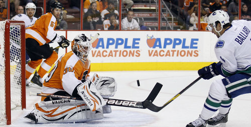 Ilya Bryzgalov makes first-period save Wednesday (Yong Kim / Staff Photographer)