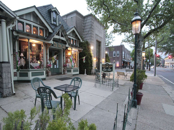 Downtown Riverton offers a quaint mix of businesses.