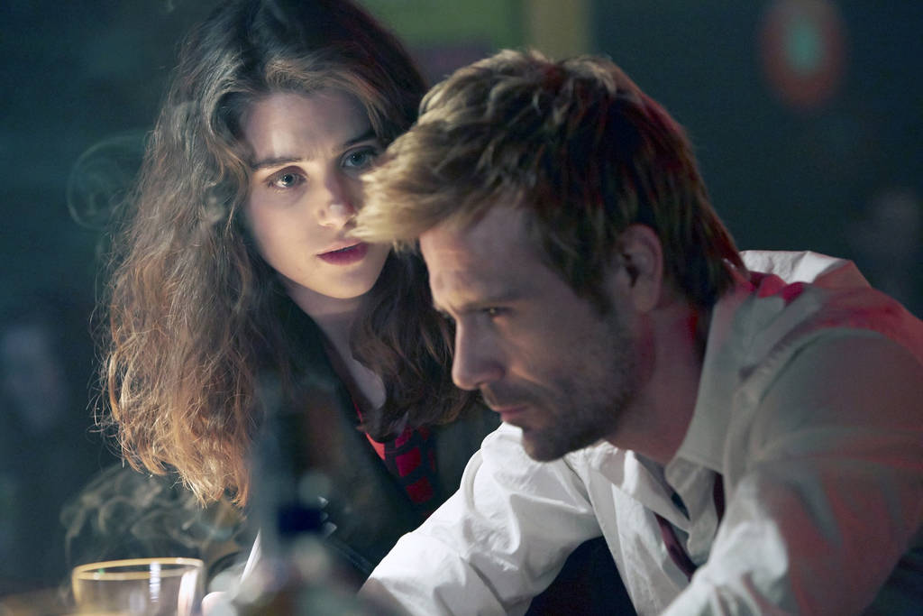 Matt Ryan as John Constantine and Lucy Griffiths as Liv in the series´ first episode.