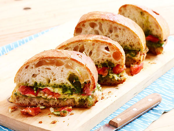 Grilled Cheese Sandwiches With Tomatoes and Pesto