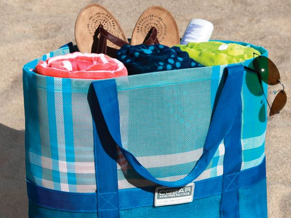 The Sandless Beach Tote (photo via hammacher.com)
